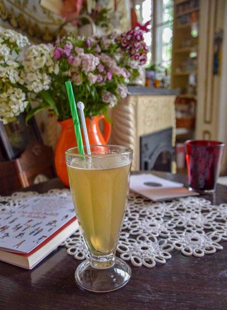 Limonada cu lavanda de la Bernschutz Gradina Icoanei