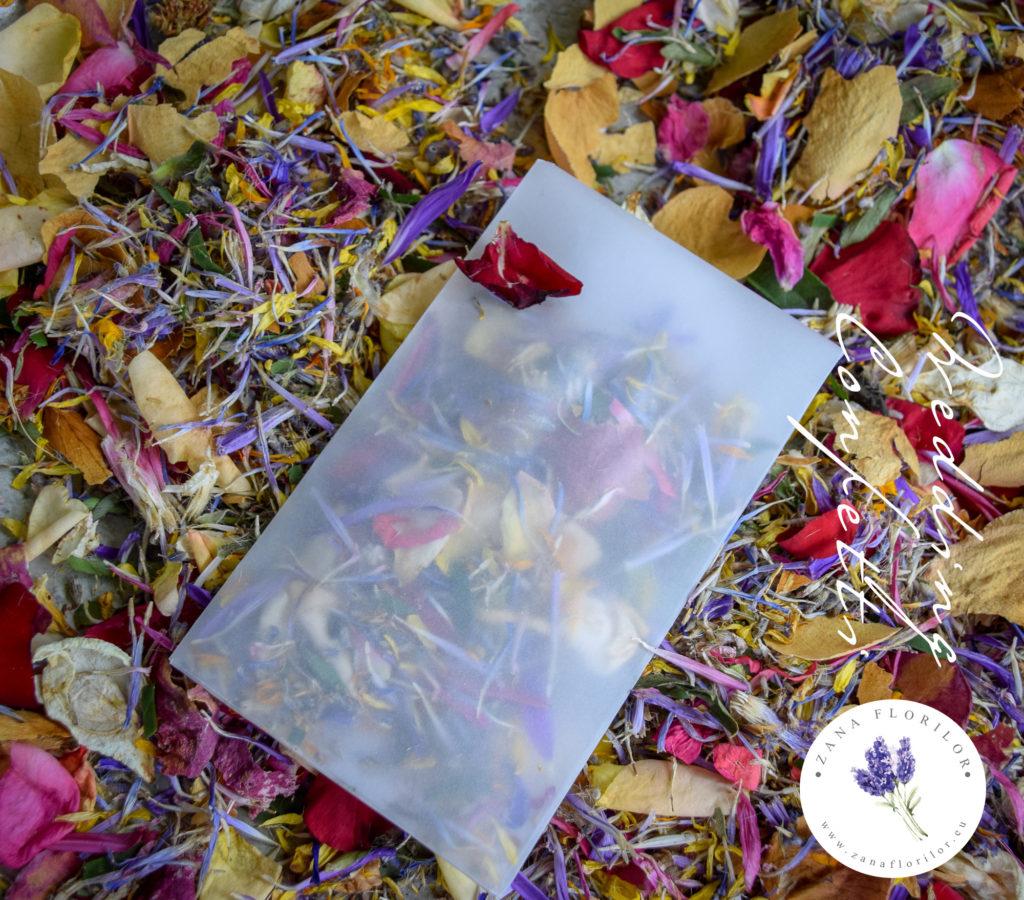 Confetti cu petale de flori pentru nunta - Comanda pe www.zanaflorilor.eu